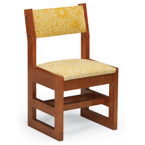 19d-class-act-padded-wooden-sled-base-guest-chair-w-padded-seat-back