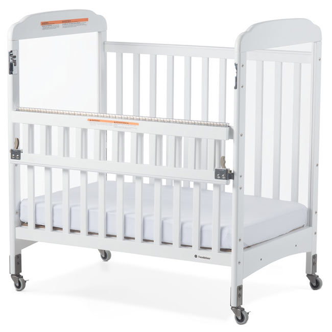2542120-next-gen-serenity-safereach-side-gate-compact-crib-clearview-both-ends-white