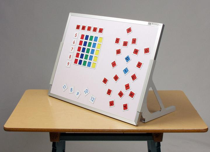 720g-12h-x-18w-markerboard-chalkboard-magnetic-language-easel