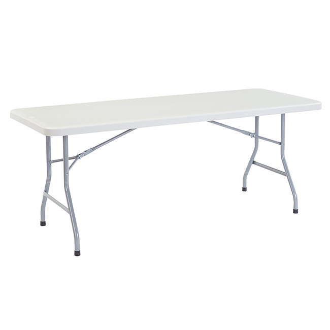 plastic-resin-banquet-tables