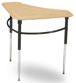cd4700-triangle-student-desk