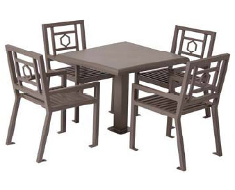 50-huntington-outdoor-square-table-and-four-chair-set