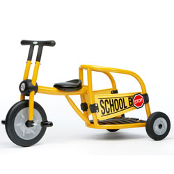 30019sb-yellow-pilot-300-school-bus-tricycle-ages-46