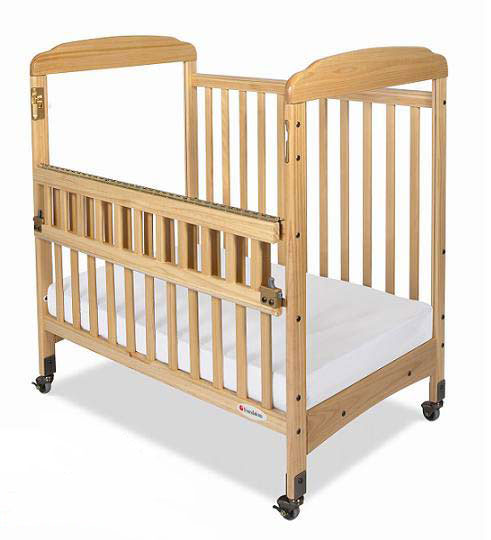 1743047-safereach-side-gate-crib-mirrored-one-end-natural