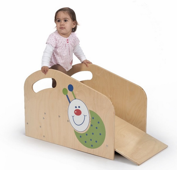 wb2114-little-bug-toddler-step-ramp-1